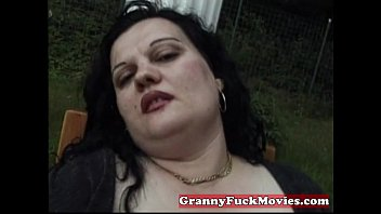 Clip sex Dirty fat granny toying with her snatch