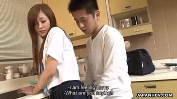 จัดหนักกับแฟนสาวที่ห้องครัวอย่างฟินเลยเงี่ยนเย็ดกันมันส์มาก
