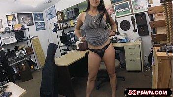 Lovely hottie babe Veronica sucking