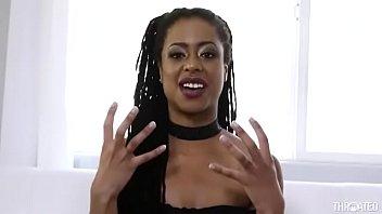 Ebony facefuck