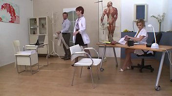 Tarra White, Graziella Diamond, Infirmières Enculées Par Un Homme Mure.