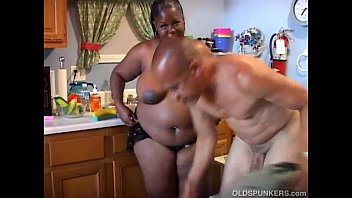 Super sexy mature black BBW would love to suck your cock Preview