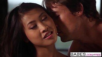 Babes - Jade Persuasion Sharon Lee