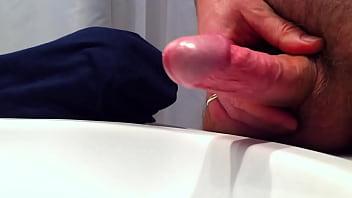 Me masturbating to orgasm 1 69 sec
