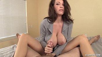Busty MILF awesome blowjob porno izle