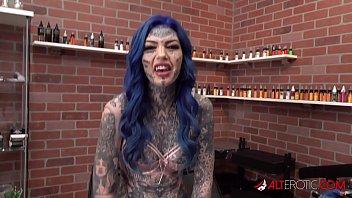 Amber Luke gets a asshole tattoo and a good fucking