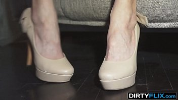 Dirty Flix - First courtesan Foxy Di experience pays off 12 min