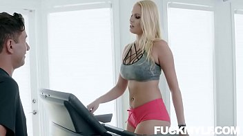 Married Woman Vanessa Cage Seduces Her Personal Trainer