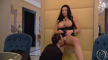 Aletta Ocean macht ihren Geschäftsführer fertig porno izle
