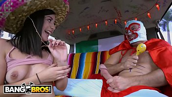 BANGBROS - Join Natalie Brooks and Sean Lawless For Some Cinco De Mayo Fun! 11分钟