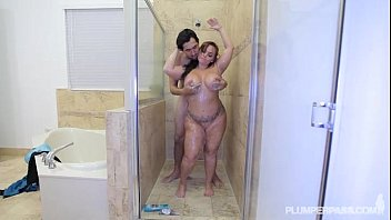 Pawg Betty Bang Gets Her Ass Pounded in the Shower