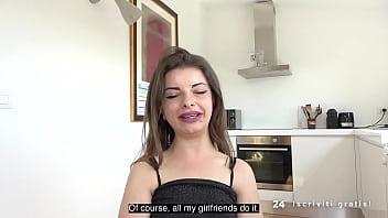 ITALIAN 147 Cm MIDGET Gets MY DICK: Mary Jane (Italian Porn)  (FULL SCENE) - SESSO-24ORE.com