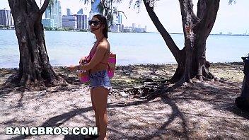 BANGBROS - Naughty Fun In Miami with Evelin Stone (bb16005) 12 min
