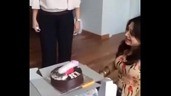 Delhi college girls masti with cake