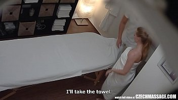 Busty Married Teacher Gets Massage of Her Life 8分钟