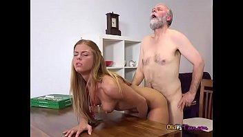 Sexy Teen Chrissy Fox Has Her Pussy Slammed Hard 6 Min