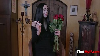 Audrey Noir,kate Bloom- Addams Family Xxx Parody