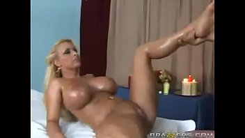 Sexy massage ends with big dickin her pussy