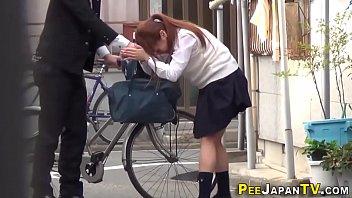 Japan babe public pisses
