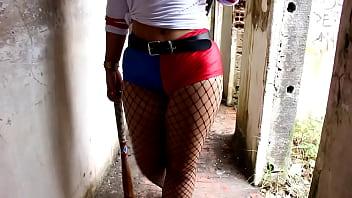 Valhallagirls apresenta Babi Barelli como: Arlequina  Acesse: www.valhallagirls.com