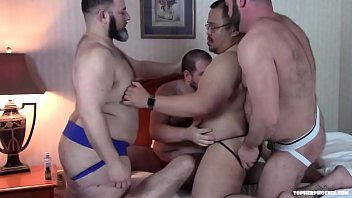 Gay sex with other men - Big bear foursome sex orgy part 1