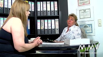 MMV FILMS Petra gives a hand