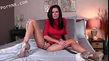 Veronika Avluv stroking off for step mother - 69VClub.Com