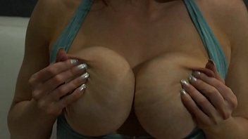 My Big Fake Tits Turn You Into a Horny Pervert 9分钟