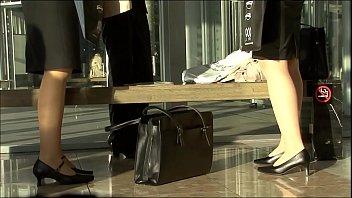 #盗撮動画#着慣れないリクルートスーツ姿の就活JDたちはパンチラでパパ活もしてるw