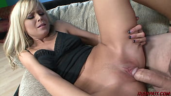 Pretty blonde Darcy wets more than her whistle with Whitezilla