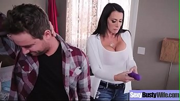 (Reagan Foxx) Busty Sexy Housewife In Hardcore Sex Scene clip-22 7分钟