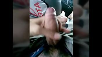 HOT BOY sục cặc trên xe
