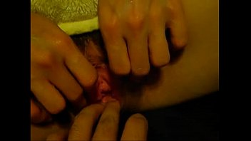 Japanese Amateur open pussy and pumping