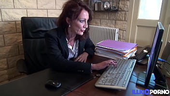 nymphomaniac milf lyna uses her authority to have anal