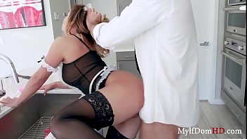 MILF Maid Pussy Tapped By Boss- Mia Lelani 8分钟