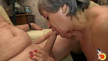 Real amateur mature couple try sextoys to anal and vaginal