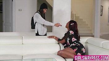 Chanell Heart And Gianna Dior Are Scissoring After Licking