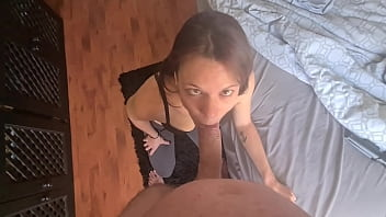 Amateur girl gives a cock a crossed eyes blowjob