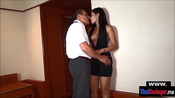 Middle aged horny dude cheats with a Thai jooker 6 min