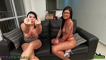 Soraya Carioca sofa test with young and naughty Amanda Souza