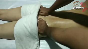 इंडियन लेडी फुल बॉडी मसाज 10