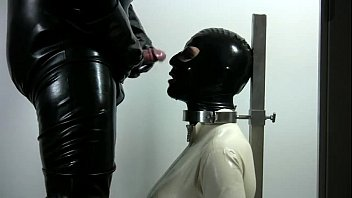 Hooded latex Latex lady mouth fuck - 77cams.org