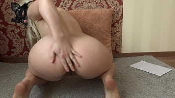 Very hairy pussy masturbates in front of a webcam. Homemade fetish.