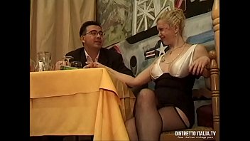 The cook prepares frankfurters for the whore and she drinks the cum from the pan 21 min