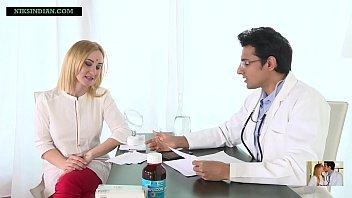 ठरकी डॉक्टर ने मरीज की गोरी पत्नी की चूत चोद कर उसे गर्भवती कर दिया