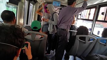 Comenzo como un arrimón en el metrobus y termine montada encima de su verga (Twitter: @Hyperversos2) 28秒