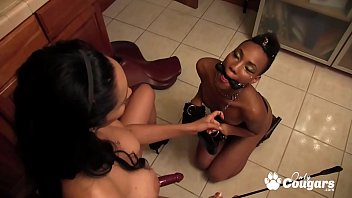 Isis Love And Nikki Darling Fuck In The Kitchen With A Strapon