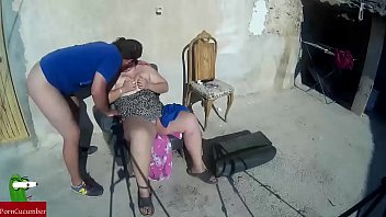 Couple of village paletos have oral sex in full view of everyone CRI062