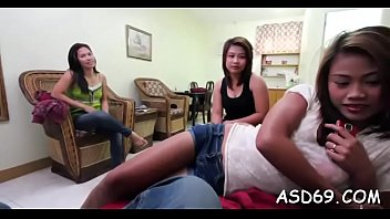 Rear gang bang for an asian girl 5分钟