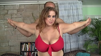 personal trainer fuck BBW with huge tits 29分钟